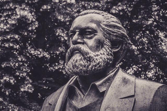 マルクスの予言が的中しなかった理由と『資本論』の問題点