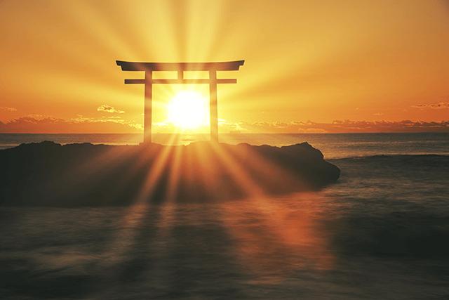 世界神話の中での日本神話の特徴は「人間の格づ…