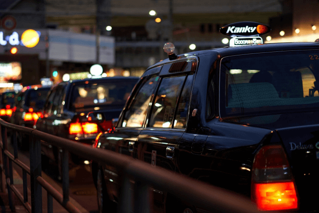 自動運転はビジネスとして成立するか、タクシー…